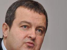Zgjedhjet në Kosovë   Kryeministri i Serbisë, Ivica Daçiç, ka qenë i prerë për serbët e Kosovës që drejtojnë institucionet: ose të dalin në zgjedhje ose do të shkarkohen.