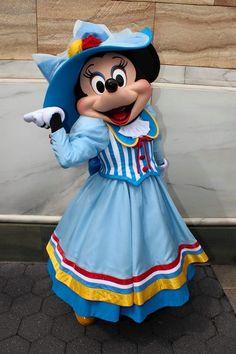 Minnie Mouse Disney parks