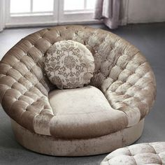 Trends modern sofa furniture for living room design ideas 21 Sofa Furniture, Luxury Furniture, Antique Furniture, Furniture Ideas, Outdoor Furniture, Living Room Chairs, Living Room Furniture, Dining Chairs, Lounge Chairs