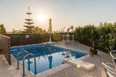 Book yor next stay in villa Apollon and get 20% discount! http://www.summerholidayssfakakicrete.gr/ #greece #villas #holidays 3relaxation #summer #brussels