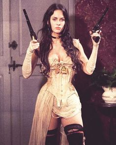 Celebrities in Corsets Sexy Megan Fox in Jonah Hex wearing a Steampunk style underbust corset. Fashion Fantasy, K Fashion, Office Fashion, Autumn Fashion, Fashion Outfits, Pretty People, Beautiful People, Beautiful Women, Steam Girl