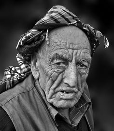 Old guy, wrinckles, lines of life, wisdom, wise one, powerful face, intense eyes, strong, portrait, b/w