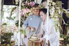 Now we're talking some glamour Javanese wedding. we're so excited get to share the photos of Chacha and Dico's wedding. This fabolous c. Javanese Wedding, Indonesian Wedding, Wedding Ceremony, Dan, Dream Wedding, Glamour, Goals, Table Decorations, The Shining