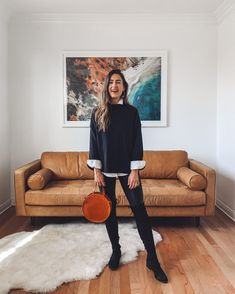 9 Holiday Looks with a White Button Down Shirt Botines Cafe Outfit, Pantalon Slouchy, Oufits Casual, Casual Outfits, Black Jeans Outfit, Dark Skinny Jeans, All Black Looks, White Button Down Shirt, Sweaters And Leggings