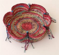 Instructions for a Pinched Coiled Basket from Scraps by Larissa Davis