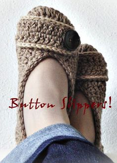 Crochet slippers - THESE LOOK AMAZING! does anyone crochet? i'll gladly buy the yard if someone can make me this! Crochet Buttons, Crochet Slippers, Cute Crochet, Crochet Crafts, Yarn Crafts, Knit Crochet, Knitting Projects, Crochet Projects, Creation Couture