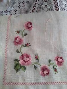 Crochet Rope, Baby Blanket Crochet, Crewel Embroidery, Cross Stitch Designs, Vintage Flowers, Handicraft, Needlework, Diy And Crafts, Applique