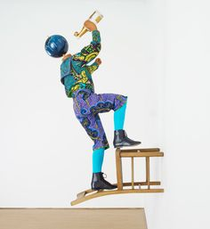 yinka shonibare MBE: champagne kids at pearl lam galleries - designboom Globe Art, Arts And Crafts Movement, Best Artist, Public Art, Magazine Design, Art Projects, Sculpture Projects, Art History, Printing On Fabric