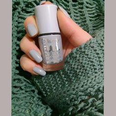 Gray violet nail polish, is to Grey Nail Polish, Gray Nails, Orange Nails, Nail Polish Colors, Nail Art Designs, Colorful Nail Designs, Bright Colored Nails, Gris Violet, Essie