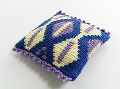 My blog is about crochet and includes tapestry crochet tutorials and tapestry crochet tips. I also design crochet patterns and sell these on Etsy and Ravelry