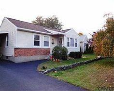 2558 Putnam St, Schenectady, NY 12304 -Only $115,000. Eager to sell, Make an offer! Open House this sunday 1/13/13 1-3pm.