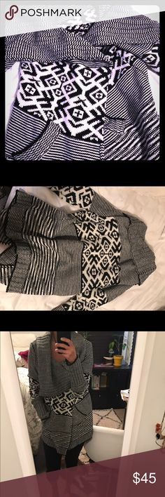 Aztec chunky fall sweater By fate. Super warm open sweater with a big neck. fate Sweaters