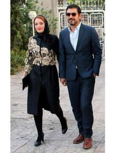 Street Hijab Fashion, Abaya Fashion, Fashion Dresses, Iranian Women Fashion, Womens Fashion, Wool Trench Coat, Batik Dress, Couture Details, Tie Shoes
