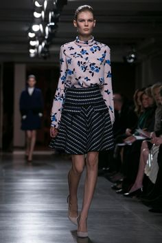 A look from the Oscar de la Renta Fall 2015 RTW collection.