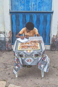 Doces de especie vendor in Alcântara - Brazil | heneedsfood.com