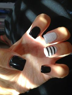 Marvelous Black and White Nails with Glitter and Stripes. The post Black and White Nails with Glitter and Stripes…. appeared first on Nails . Fancy Nails, Trendy Nails, My Nails, Prom Nails, White Glitter Nails, White Nail Art, Diamond Glitter, Silver Glitter, Black Gel Nails