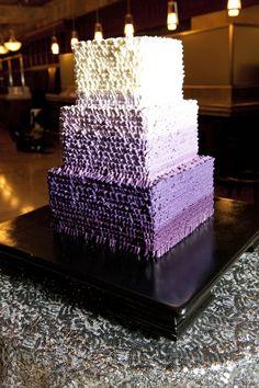 Kreatives Großes Modell In Lila Und Weiß   Hochzeit Torte