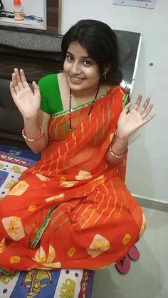 mast video 👌👌👌hhaaahaha aadmi mhaan👌very nice ninga 🥰🥰😍 Beautiful Girl In India, Beautiful Women Over 40, Most Beautiful Indian Actress, Beautiful Saree, Beautiful People, Beautiful Pictures, Indian Natural Beauty, Indian Beauty Saree, Beauty Full Girl