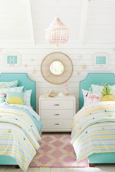 Combinación de colores con respaldo y base de cama