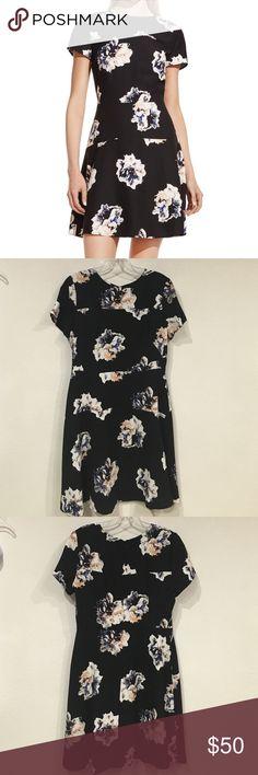 ‼️On Sale‼️ Vince Camuto floral dress Excellent condition. No trades. - Vince Camuto Dresses