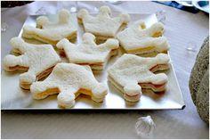 Idea: con un molde para galletas, recorta sándwiches en forma de corona! / Idea: cut crown-shaped sandwiches with a cookie cutter!