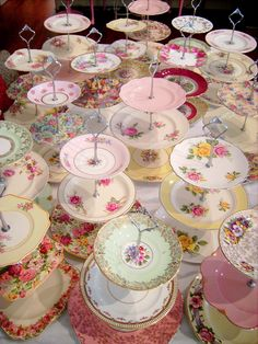 good idea for my mismatched plates-Vintage Cake Stand & Candy Bar Hire - The Vintage Table Tiered Cake Stands, Tiered Cakes, Vintage Tee, Vintage Bridal, Vintage Tea Parties, Bar A Bonbon, Vintage Cake Stands, Vintage Dishes, Vintage China