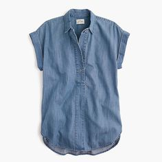 Short-sleeve popover shirt in chambray - Denim Shirt Dress - Ideas of Denim Shirt Dress - Short-sleeve popover shirt in chambray Short Sleeve Denim Shirt, Blue Short Sleeve Tops, Chambray Shirt Outfits, Chambray Top, Petite Tops, Summer Fashion Outfits, Women's Fashion, Mode Style, Jean Shirts