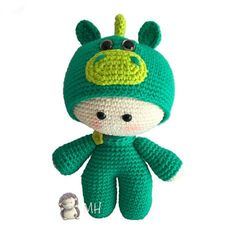 Hyperactive MOTHERS: crafts and DIY with and for children: Dragon YoYo Amigurumi Doll Crochet Bear, Crochet Books, Tapestry Crochet, Crochet Animals, Crochet Crafts, Amigurumi Patterns, Amigurumi Doll, Crochet Patterns, Crotchet Bags