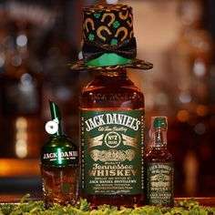 Shop Jack Daniel's new and vintage barware, apparel, foods, gifts, collectibles and more. The Whiskey Cave is the only place where you find the new and the old Jack that you want all in one place. Whiskey Drinks, Bourbon Whiskey, Whisky, Whiskey Bottle, Jack Daniels Green, Jack Green, Dont Drink And Drive, New Jack, Gula