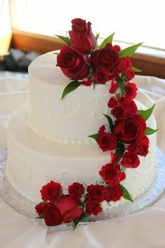 Floral Wedding Cakes, Wedding Cake Stands, Fall Wedding Cakes, White Wedding Cakes, Beautiful Wedding Cakes, Gorgeous Cakes, Wedding Cake Designs, Wedding Cupcakes, Pretty Cakes