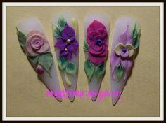 Acrylic flowers nails. Puertorican divah.