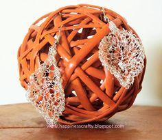 Wire Leaf Earrings ~ Free #Crochet Pattern by Happiness Crafty
