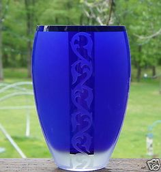 ART GLASS FLOWER VASE FROSTED  COBALT BLUE & CLEAR