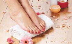 pregnancy parenting prenatal foot massages are good when pregnant .