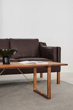 Honouring Børge Mogensen's vision to create practical furniture that would enhance people's everyday lives, we've stayed true to the original design from 1956 and are marketing the BM67 Coffee Table as flat-packed with easy assembly #fredericiafurniture #BM67 #børgemogensen #interiordesign #danishdesign #scandinaviandesign #livingroomdecor #craftedtolast #modernoriginals #coffeetable #coffeetables Hotel Lobby, Danish Design, Scandinavian Design, The Ordinary, Dining Bench, Living Room Decor, Lounge, Couch, Interior Design