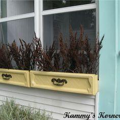 boite a fleurs a faire avec un tiroir   Kammy's Korner: Dresser Drawer Window Boxes
