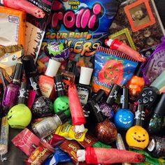 Lace and Lacquers: IT'S THE GREAT HALLOWEEN GIVEAWAY, CHARLIE BROWN! [Ends 10/16/14]