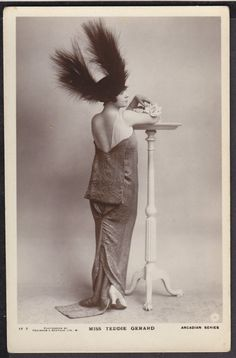 What can i say about this image? Just flawless Late 1910s.