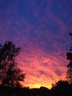 Sunset Tumblr, Sunset Sky, Pretty Sky, Beautiful Sunset, The Sky Is Everywhere, Rain Wallpapers, Look At The Sky, Sky Photos, Sunset Lover