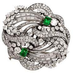 1930s Boucheron Paris  Emerald Diamond Platinum Double Clip  Brooch