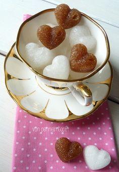 Homemade Sugar Cubes - Zuckerwürfel Gum Paste, Konfekt, Spice Mixes, Sugar Cubes, Food Art, Kitchen Hacks, Diy Presents, Sugar And Spice, Creative Food