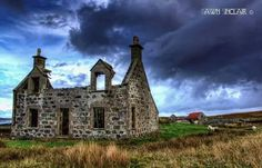 North Uist , Outer Hebrides Isle Of Harris, Scotland Castles, Outer Hebrides, British Isles, Countries Of The World, Ruin, Homeland, Great Britain, Beautiful Landscapes