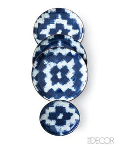 Beautiful ikat plates, easy make, I don't think they are all that pretty. molded plate and pattern made out of squares and hand painted Azul Indigo, Mood Indigo, Indigo Blue, Ceramic Plates, Ceramic Pottery, Snorkel Blue, Bleu Turquoise, Ikat Fabric, Elle Decor