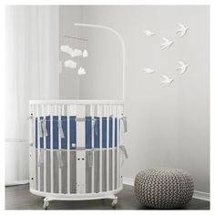 Stokke mini crib set in cotton linen bed set. Custom made for the Stokke oval crib or bassinet. Learn more at Lublini.com #stokkecrib