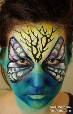 Бабочка в кустах. Аквагрим выполнен Таней Масловой.