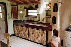 Casa de Cob - Bioconstrução - Construindo com Barro: Interior de uma casa de COB