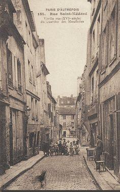 Un groupe d'enfants et le fantôme d'un chien, rue Saint-Médard, vers 1910 - Paris 5ème