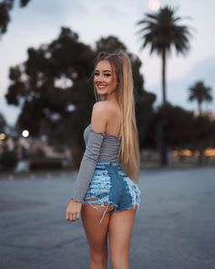Sexy Jeans, Sexy Shorts, Curvy Jeans, Aspen Mansfield, Athletic Hairstyles, Mini Short, Looks Pinterest, Tumbrl Girls, Model Foto