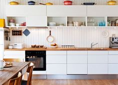 Love Open Shelving & Color