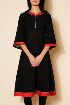 MAHATI KIMONO SLEEVES BLACK KURTA http://ekmatra.com/product/mahati/